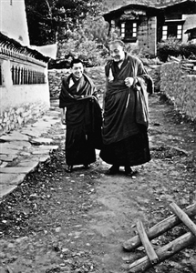 Chogyam Trungpa Rinpoche and His Holiness Dilgo Khyentse Rinpoche Photo
